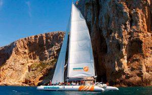 excursión marina en catamarán en Denia
