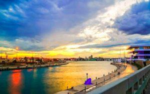 puesta de Sol desde catamarán en la Malvarrosa Valencia